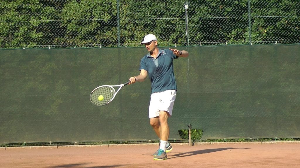 Control using one-handed forehand