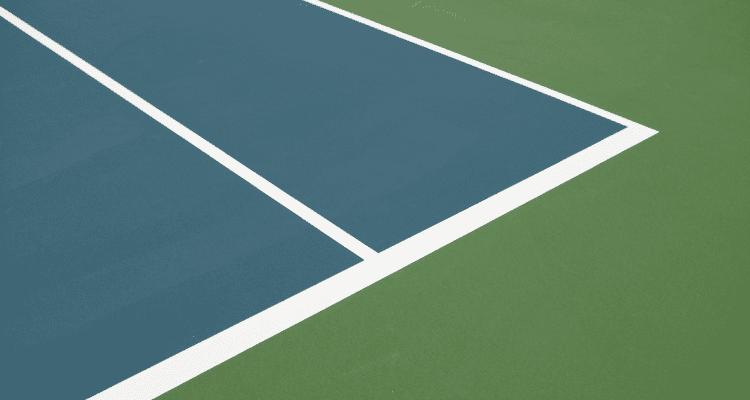 width of tennis court lines